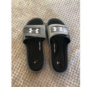 Under Armour Black Slide On Sandals Size 8